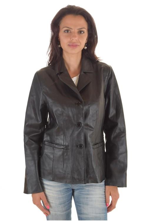 Женская черная куртка 62.00
