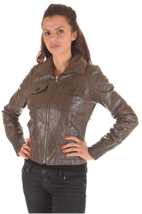 Кожаная куртка с эластичной талией и рукавами 58.00