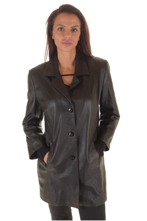 Стилно черно дамско кожено сако 66.00