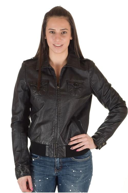 Стильная женская кожаная куртка 64.00