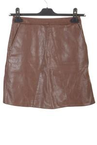 Брандова дамска пола от изкуствена кожа