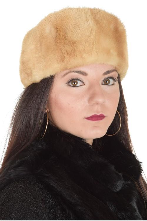 Бежова дамска шапка от естествен косъм 29.00