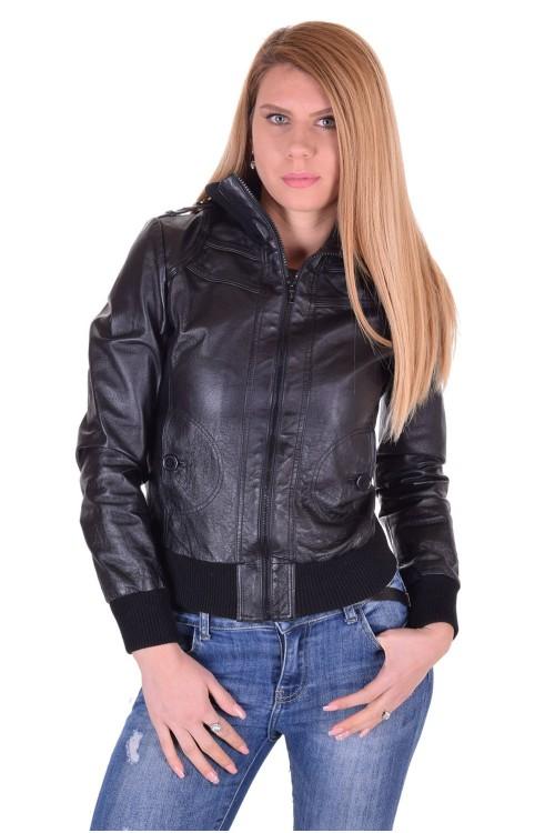Черно дамско кожено яке 64.00