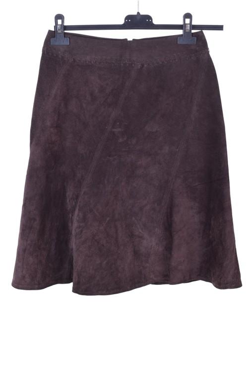 Тъмно кафява велурена пола от естествена кожа 15.00