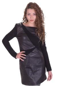 Ультрасовременное черное платье из натуральной кожи