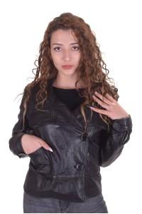 Екстравагантно дамско яке от естествена кожа