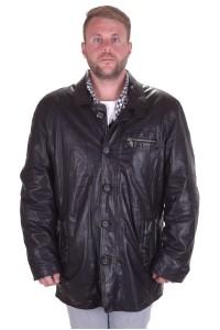 Черная кожаная куртка из натуральной кожи
