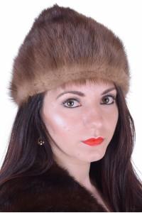 Красива дамска шапка от естествен косъм