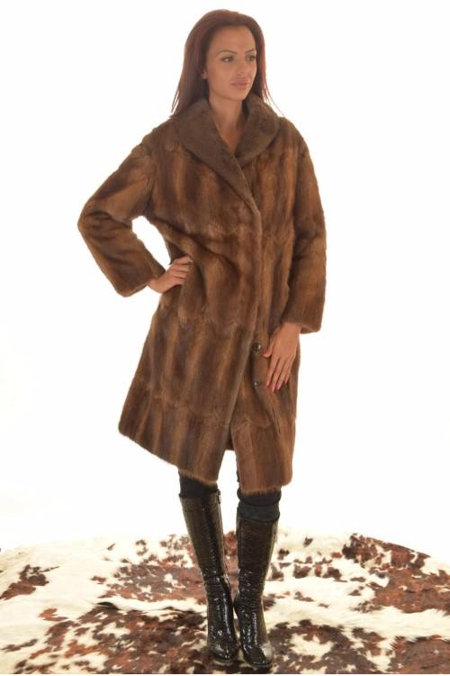 Дамско палто от естествен косъм. 159.00