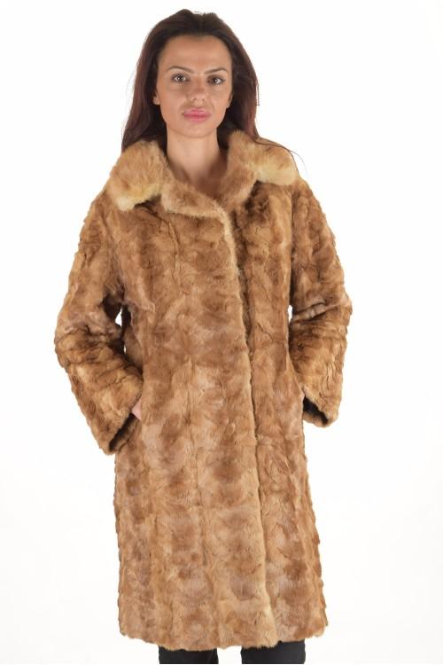 Елегантно дамско палто от норка 330.00